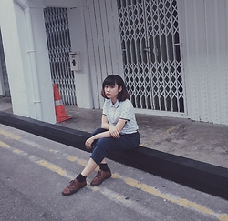 NIA Acidia - Bossini One Piece, Uniqlo Pants, H&M Shoes - Dazer