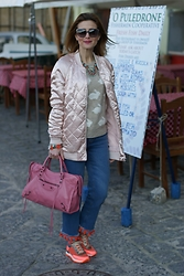 Vale ♥ - Stradivarius Pink Bomber, Balenciaga City Bag, Uno8uno Sneakers - Pink bomber and custom jeans