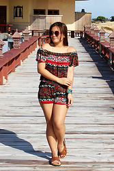 Shahani Lopez - Hapeejonee Tribal Off Shoulder Coordinate, Karazapatos Mandals - Tribal off-shoulder