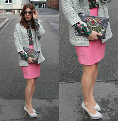 Lea Zeitman - Miu Sunglasses, Ganni Blouse, Esprit Coat, Mawi Clutch, Vintage Skirt, Tamaris Heels - Rosa pattern mix