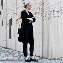 Leonie // www.noanoir.com - Gina Tricot Wool Cardigan Jacket, Uniqlo Black Silk Blouse, Dr Denim High Waisted Distressed, H&M Black Tasseled Loafers, Eyebuydirect Sunglasses, Theslctd Black & Gold Chain Bag - Ripped Denim