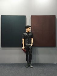 Andy Lin - G Star Raw Jeans, Balenciaga Belt, Christian Louboutin Boots, Givenchy Clutch - A balance between the contrast colors