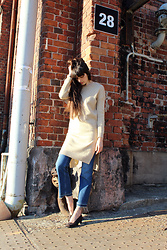 Paz Halabi Rodriguez - Magma Room Neutral Side Slits, Monki Cropped Jeans, Second Hand Granny Shoes - Neutral Sunchine