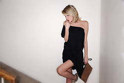 Alessia Marcuzzi - Manila Grace Dress, Marks And Angels Pochette - Ready for the weekend?