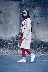 Andreea Birsan - Christian Dior So Real Sunglasses, C&A Blouse, Zara Trench Coat, Mango Red Trousers, Mango White Sneakers, Pelledoca Bag - Trench coat & red trousers II