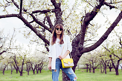 Zvezdelina Tsolova - Mango Jacket, Mango Jeans, Liu Jo Bag, Ray Ban Eyewear - Casual elegant look and spring mood