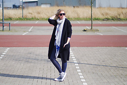 Annora - Sevenbien Cardigan, Oroblù Jeggings, Converse - Spring layers
