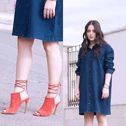 Marifer Rocha - Steve Madden Mules, Forever 21 Dress - Denim dress