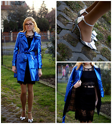 Kamila Krawczyk - Romwe Shoes, Romwe Top, Romwe Skirt, Choies Coat, Gatta Tights - Metalic coat