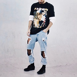 JJ Reyes - Vintage Eminem T Shirt, Pull & Bear Jeans, Nike Sb - APRIL 27TH