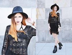 Ola Brzeska - Born2be Boots, Cndirect Boho Dress, Cndirect Bra - Bohemian rock