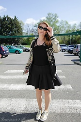 P&P Nororre - Zara Bomber, H&M Skirt, Zara Derbies - Un look en or!