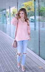 LOLA C - Chicwish Sweater - La vie en rose