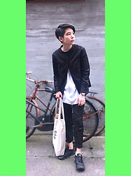 Kai Chi Lao -  - ▲ #green #uniqlo #lemaire #slow #steady #Korea #komono #nike