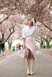 Anastasia Siantar - H&M Shirt, Thea By Thara Skirt, Hermes Kelly 25, Drama Shoes - Cherry blossom