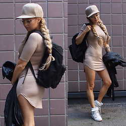 Eeva K. - Miss Pap Matilda Curved Bodycon Dress, Ikrush Beige Classic Snapback - Do ya own thing