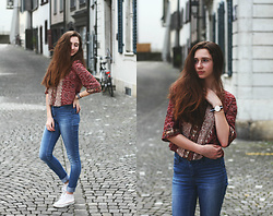 Francesca S - Bershka Top, Vero Moda Jeans, Converse White, Daniel Wellington Watch - Monday - ce n'est pas mon day