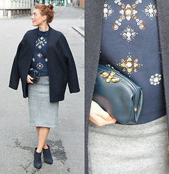 Lea Zeitman - Esprit Coat, H&M Top, Furla Clutch, H&M Skirt, Navyboot Boots - NAVY IS MY BLACK