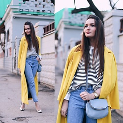 Sasha Shcherbakova - Sheinside Coat, Sheinside Sweatshirt - Yellow