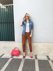 Alessia Marcuzzi - Stella Mccartney Top, Marks&Angels Bag - A sporty-chic look!