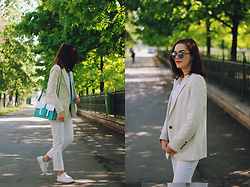 Andreea Birsan - Mango Cream Blazer, Christian Dior So Real Sunglasses, Mango Straight Leg Trousers, Mango White Sneakers, Color Block Crossbody Bag - Cream blazer & straight leg white trousers II