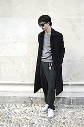 Fabio G. - Weekday Coat, American Apparel Sweater, H&M Trousers, Adidas Sneakers - Sandstone