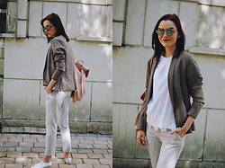 Andreea Birsan - Christian Dior So Real Sunglasses, New Yorker Grey Blazer, Zara White Tshirt, Zara Grey Trousers, Zara Blush Pink Backpack, Silver Metallic Shoes - Grey trousers