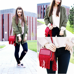 Asia M. - Pull&Bear Rippen Jeans, Red Fringle Bag, Loose Khaki Coat, Handmade Woolen Sweater - 12/05/16 Handmade Sweater