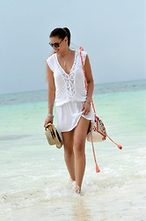 Tamara Chloe - Jacky Luxury Bag - Pasir Panjang Beach