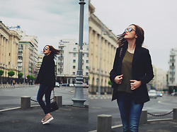 Andreea Birsan - Christian Dior So Real Sunglasses, Zara Khaki Tshirt, Mango Black Blazer, Denim International Skinny Jeans, Nude Leather Shoes, Pelledoca Black Leather Bag - The black blazer tales II