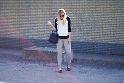 Annora - Oroblu Flowy Top, H&M Pants, Liebeskind Berlin Bag - A bit more girly!