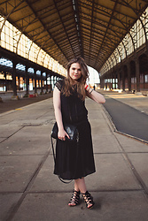 Vicky DISCOMETOOBLIVION - H&M Black Midi Dress, & Other Stories Black Leather Bag, New Look Lace Up Sandals - Suave in all black, pt II