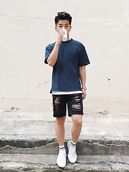 Andy Lin - Customellow Loose Fit Woven T Shirt, Superga Sneakers, Uniqlo Socks - Wanna be who i wanna be.