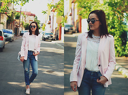 Andreea Birsan - Christian Dior So Real Sunglasses, C&A White Ruffle Top, Bershka Blush Pink Blazer, Color Block Crossbody Bag, H&M Distressed Boyfriend Jeans, Pink Oxford Shoes - The pink blazer outfit