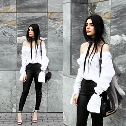 CLAUDIA Holynights - Celia Gould Winter Sea Scarf, Sheinside Leather Look Pants, Zara Sandals - Black, white and grey.