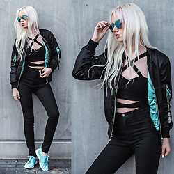 Oksana Orehhova - Hoodboyz Sneakers, Elly Pistol Bomber Jacket, Zerouv Sunglasses - MINT AND BLACK