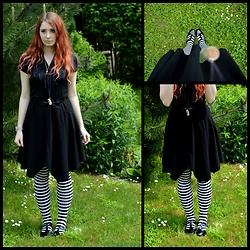 Shira Elizabeth - Primark Black Patent Shoes, Black Witchy Skirt, Striped Overknee Socks, Black T Shirt, Ebay Bow Waist Belt - Witchy skirt and stripes*