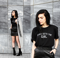 CLAUDIA Holynights - Jesus Gets The Girl Tee, Chic Wish Skirt, Solewish Boots - B l a c k | L e a t h e r