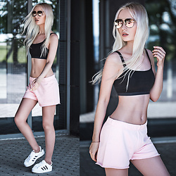 Oksana Orehhova - Bjorn Borg Shorts, Adidas Sneackers, Clic,Clac Sunglasses - SPORTY MORNING