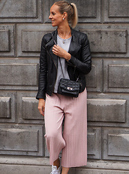 Chris - She In Culottes, Pepe Jeans Leather, Zadig & Voltaire Bag, Adidas Stan Smith Sneakers - How I wear the culottes