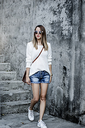 Raquel Cañas - Only Sweater - WHITE WITH DENIM