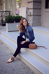 Charlotte Bridgeman - Mavi Jacket, Gigi New York Bag, Frame Jeans - FRAME in Soho
