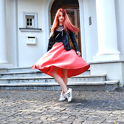 Zuzanna Zacharjasz -  - Red-haired