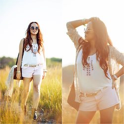 Lily S. - Love Tree Happens Embroidered Top, American Eagle Outfitters Stripe Shorts, Nine West Ankle Boots, Forever 21 Sunglasses - Natural Instincts // Summer