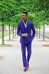 Igee Okafor - Frank & Oak Oxford Shirt, Ben Sherman Suit, Jack Erwin Penny Loafers - Think Spring: The Ascot Look