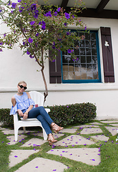 Olga Pancenko - Mother Motherdenim Jeans, Schutzshoes Shutz Sandals - LOOK N° 13