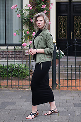 Rowan Reiding - Jacky Black Bodycon Maxi Dress, Roxy Embroidered Back Army Jacket - SUMMER READY WITH DE SKIHUT + GIVEAWAY