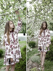 Anna Vershinina - Romwe Dress - Spring Blossoms