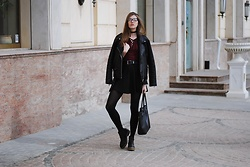 Yulia Sidorenko - Newyorker Leather Jacket, H&M Skirt, Asos Boots, Wholesalebuying Top, Wholesalebuying Sunglasses - Grunge