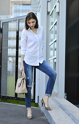 Elle de Strasbourg - Cos White Shirt, Gap Ripped Jeans - The Perfect White Shirt